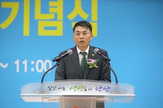 """김정렬 차관 """"재정도로와 민자도로 통행료 격차 줄일 것"""""""