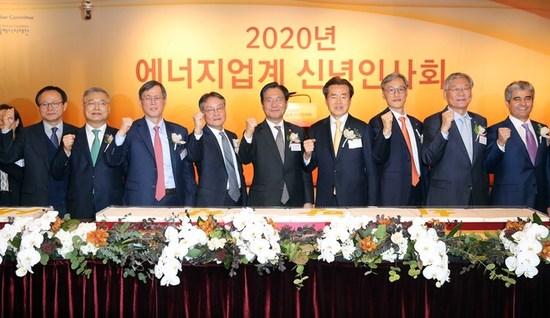"""성윤모 장관 """"국민 체감 에너지 전환 주력"""""""